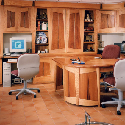 Custom Office, feature, by Ray Kelso